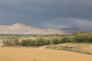 Akropolis vor Grand Junction rechts